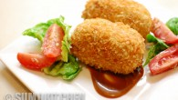 This is a fast and simple recipe for the delicious Japanese korokke – a croquette made of meat and vegetables....